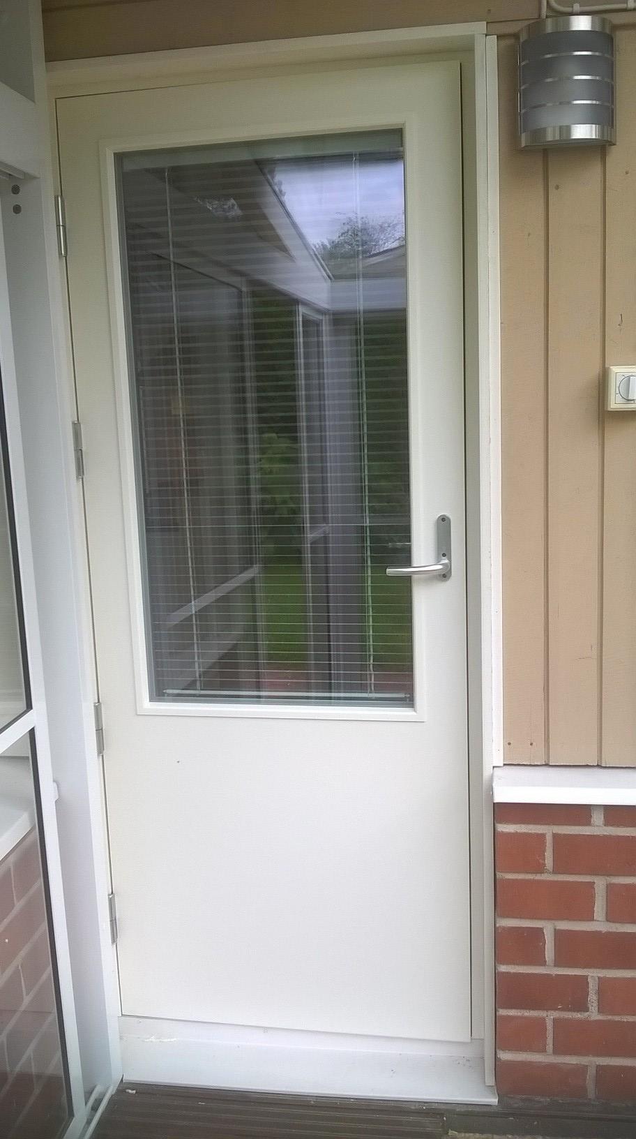 Pakila.  ikk ja ovi remontti elokuu 2017. terassin ovi