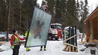 Kontio hirsitalo ikkunat ja ovet asennus uudikohde Ypäjä tammikuu 2019